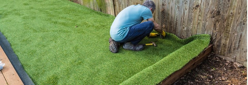 3 Langkah Cara Pasang Rumput Sintetis Outdoor
